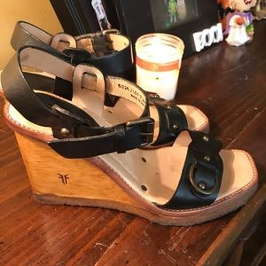 Frye Black wooden wedge 8